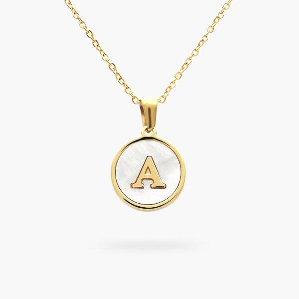 acero-collar-dije-05-oro-inicial-a-madre-perla-valdivia-accesorios
