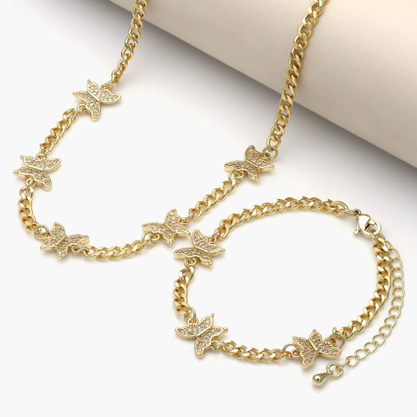 chapa-juego-tendencia-8-oro-mariposa-valdivia-accesorios